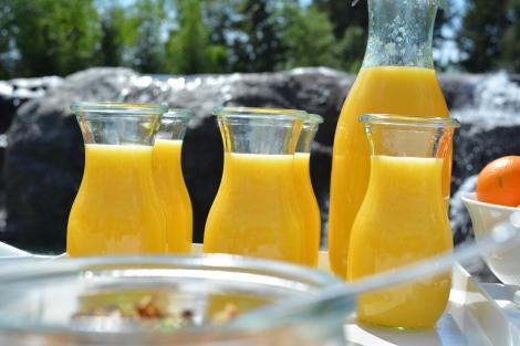 Orange Juice in their appropriate Weck Jars.